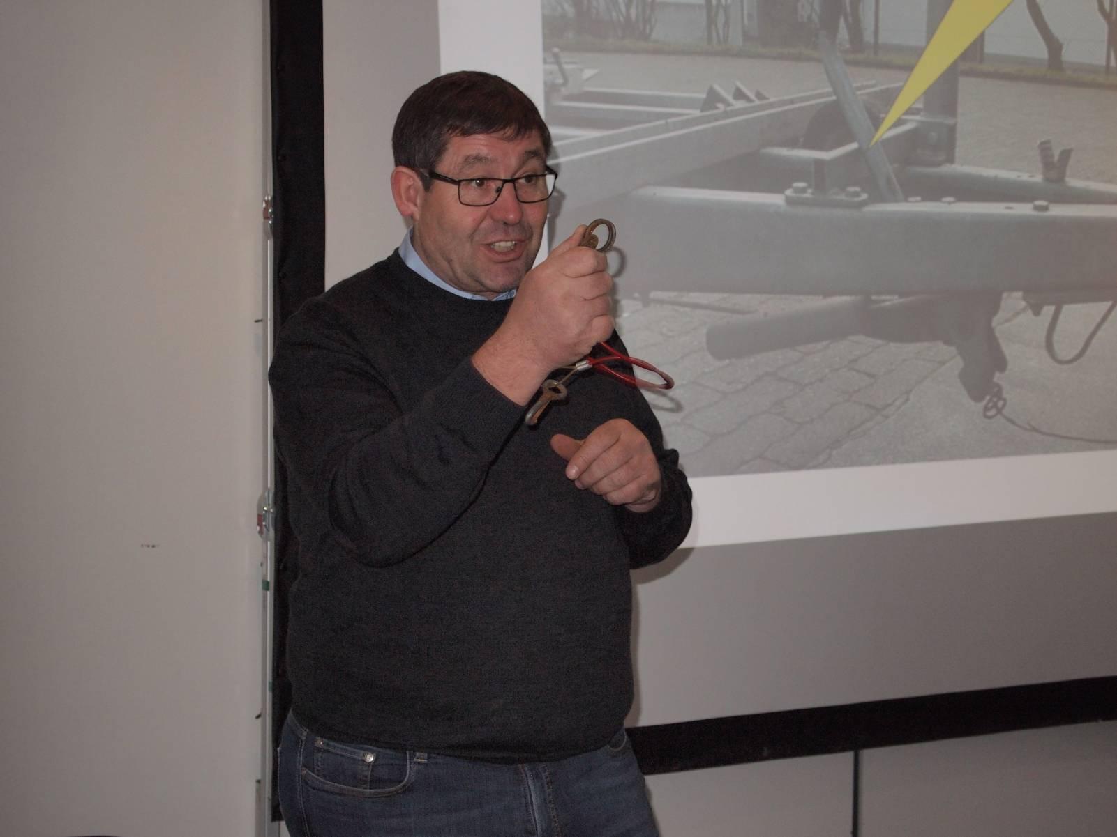 Foto von Michael Stedele beim Seminar zu Auflaufbremsen - Sicherungsseil
